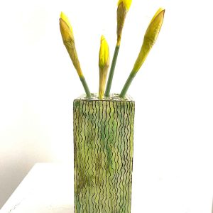 Tall flower brick - green vertical wiggles
