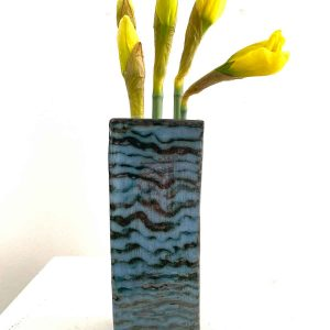 Tall flower brick - blue horizontal squiggles